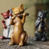 연주에 심취한 고양이 악단 소품