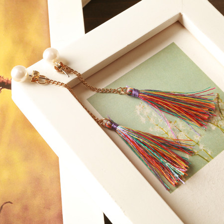 봄의 오색 태슬 귀걸이