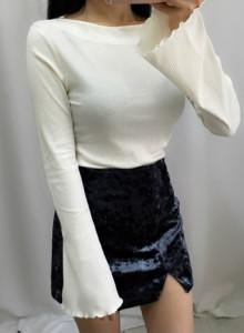 소매 나팔 잔골지 입술넥 티셔츠 - 카멜, 아이보리, 블랙