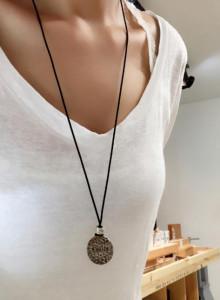 텍스쳐 팬던트 목걸이 silver & long chain