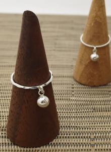 딸랑 딸랑 실버 볼 화이크-링 ( silver ball , charm -ring)