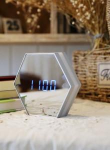 스마트 LED 거울 탁상시계