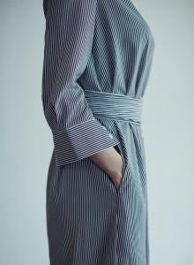 카인듀 / 로브드레스 / INDEW formal robe dress (stripe)