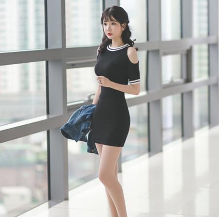 섹시한 어깨트임 배색 홀복 유니크원피스